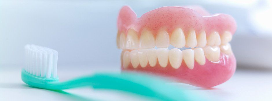 denture-care-cleaning-and-repair